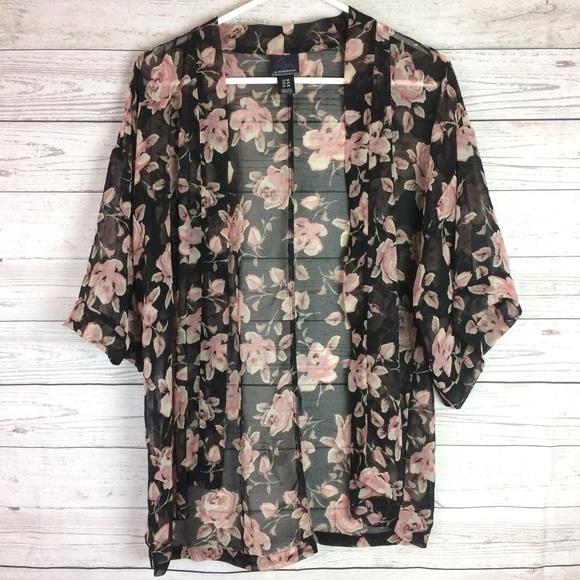 5e59fa08cf0 ... Rose Print Short Sleeve Kimono M. M 5aaf05188290af561d119a63